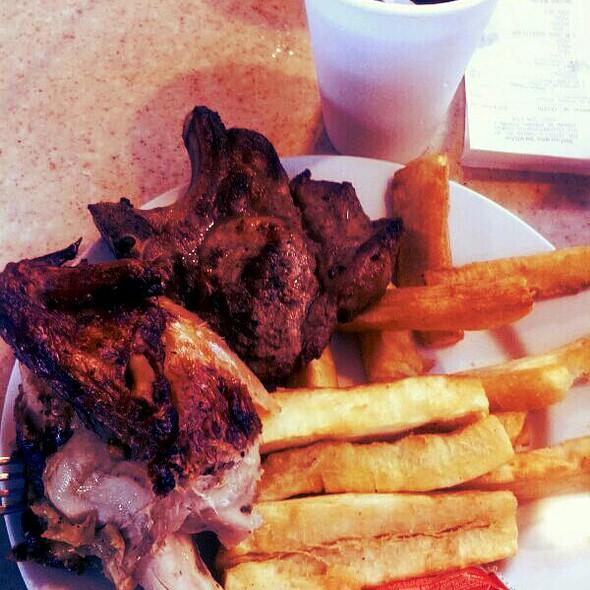 Pollo asado y yuca