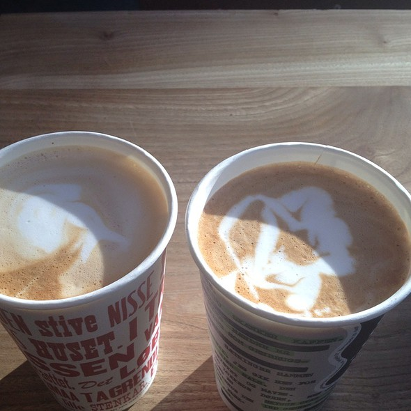Cafe Latte @ Riccos Kaffebar v/Ricco Sørensen