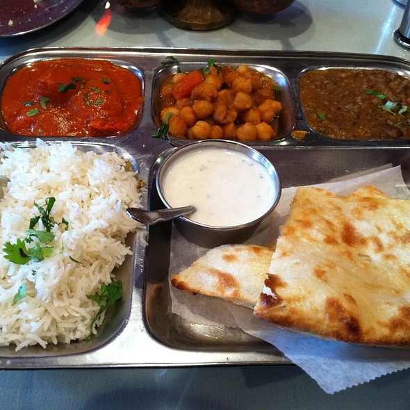 Lunch Special @ Royal India Bistro