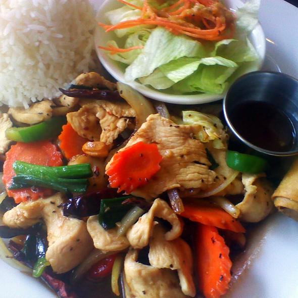 Cashew Nut Chicken - Lotus Thai - Downtown, San Diego, CA