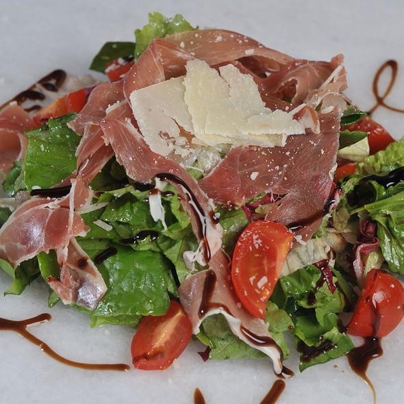 Prosouto Salata