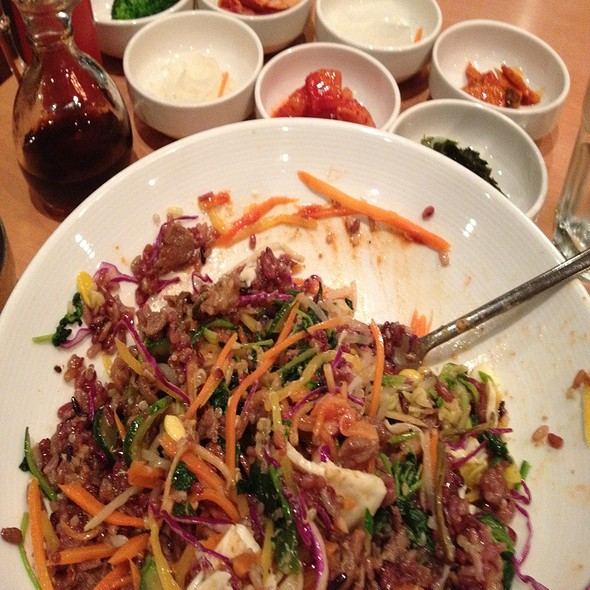 Bi Bim Bop( BBQ beef) @ Bowl'd Korean Rice Bar