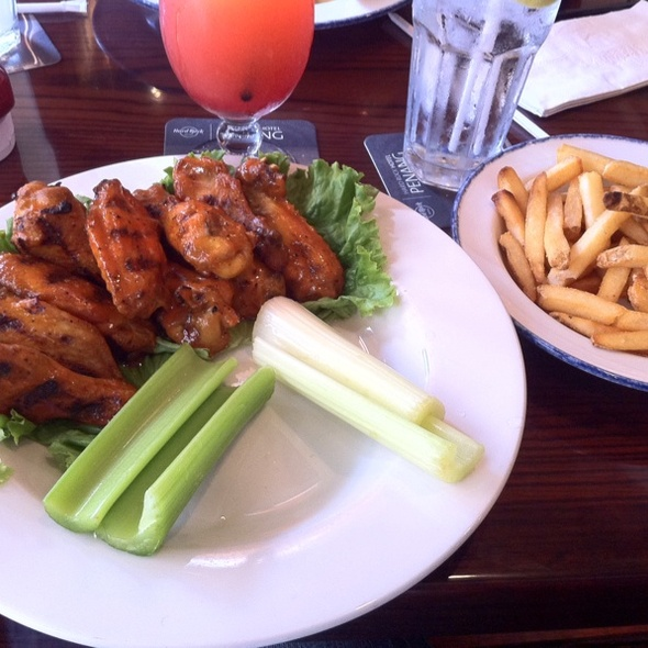 Hickory-Smoked Chicken Wings at Hard Rock Cafe