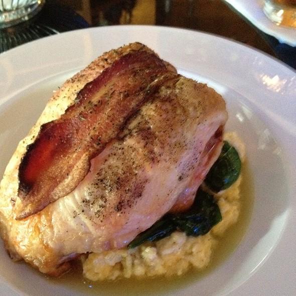 Roast Chicken W/ Spinach, Cheddar Grits & Chicken Jus... Delicious! @ Interim Restaurant