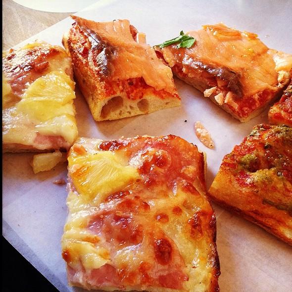 Pizzas @ Pizza Roma