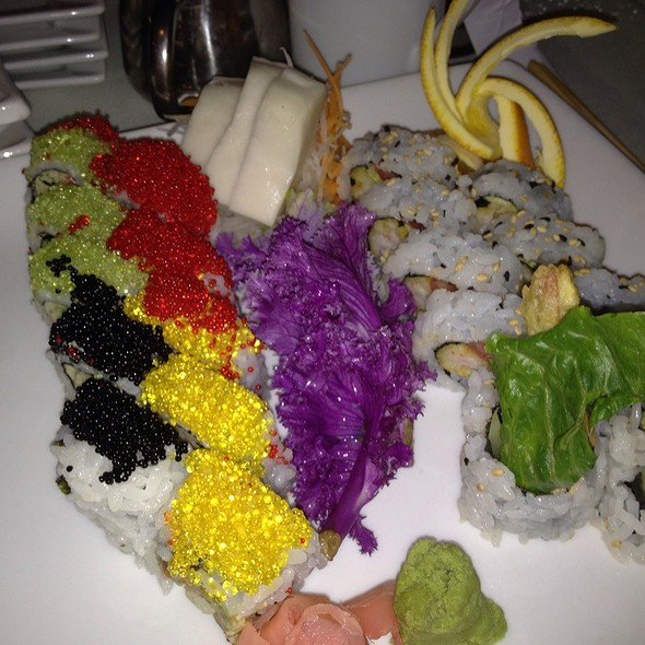 Playboy Sushi Roll @ Yume Sushi