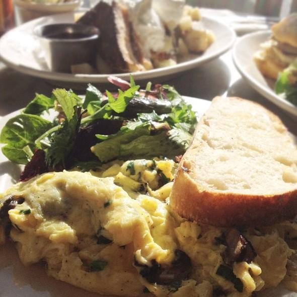 Soft Scrambled Eggs @ Universal Cafe