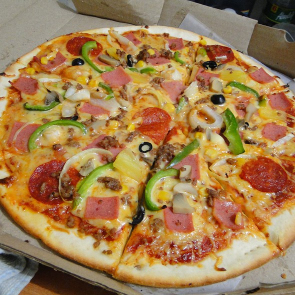 Fracasso Special Pizza @ Fracasso Pizza, Pasta n' More