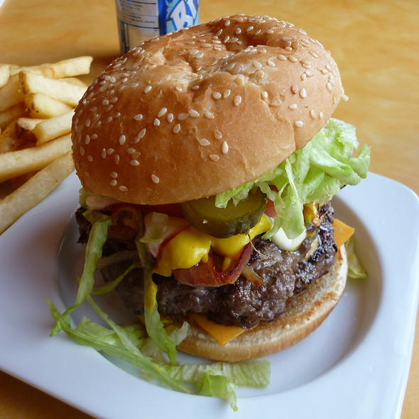 Bacon Double Cheeseburger @ Atlas Pizza