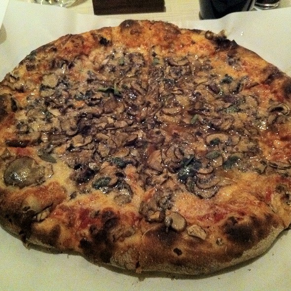 Pizza #1 Tomato Sauce, Goat Mozzarella, Dante Aged Cheese & Cremini Mushrooms @ Great Lake