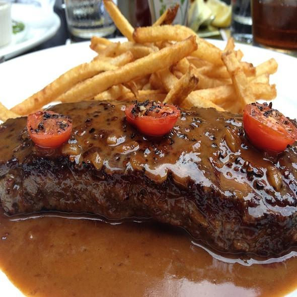 Steak And Frites @ Zinc Bistro & Wine Bar
