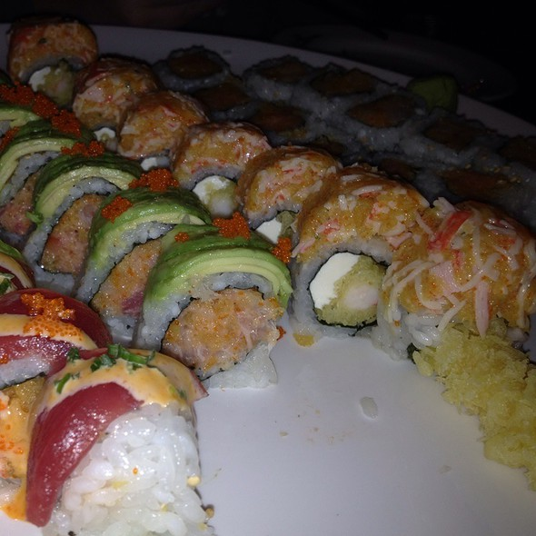 Valentine Roll, Lovers Roll, Paradise Roll, Spicy Tuna, Spicy Yellowtail @ Bay Ridge Sushi