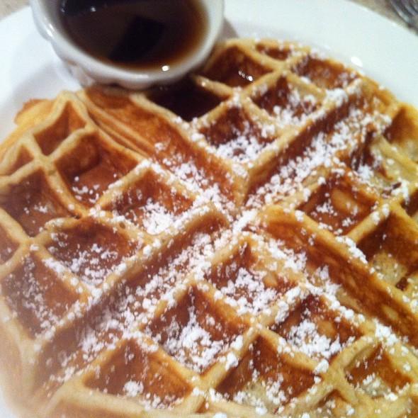 Belgian Waffle @ café intermezzo - concourse b
