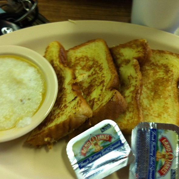 French Toast & Grits @ McLean's