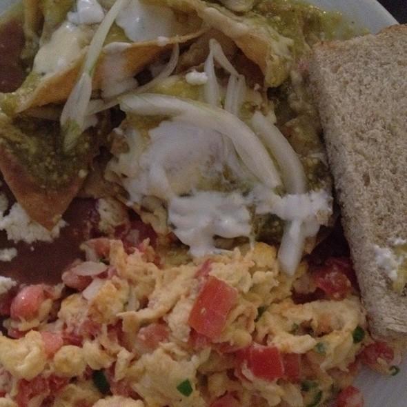 Desayuno Mexicano @ Restaurante El Abue