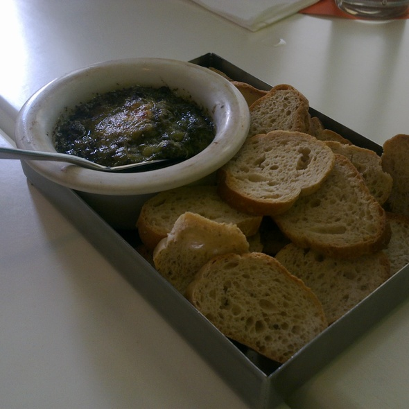 Bread with Spinaci Dip @ Cibo