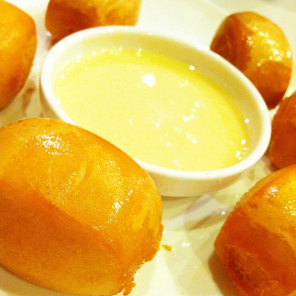 Fried Mantou @ Cha Chan Tang