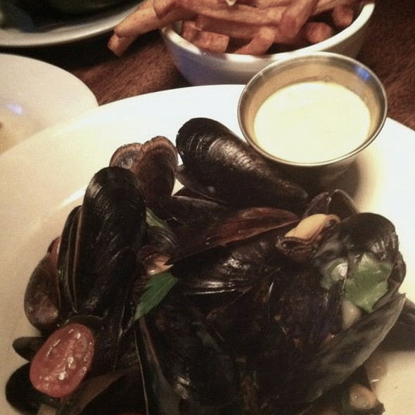 Mussels And Fries @ Heavy Seas AleHouse