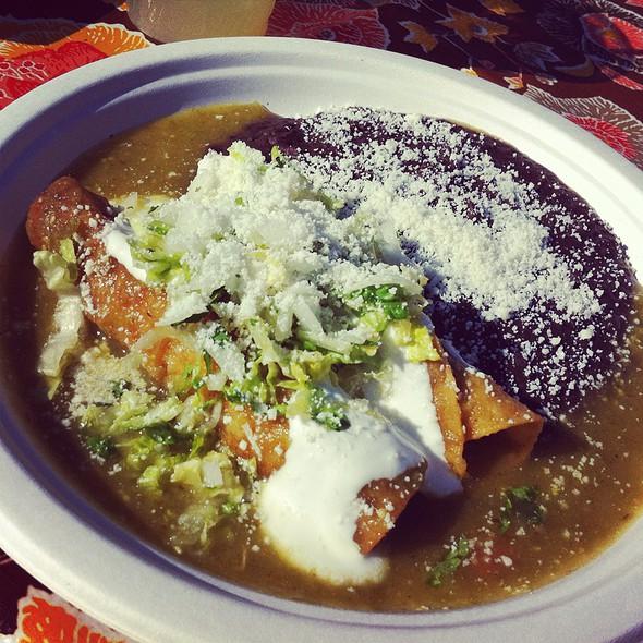 enchiladas chilango @ Primavera