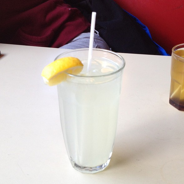 Fresh Home Made Lemonade @ The George Street Diner