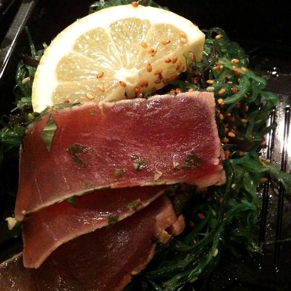 Wakame W/Seared Tuna @ Omakase Sushi Frederiksberg
