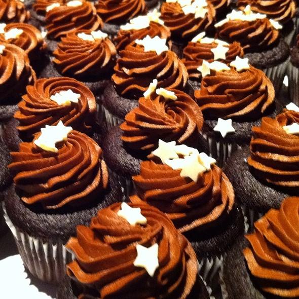 Mini Chocolate Cupcakes @ Rodney Strong Vineyards