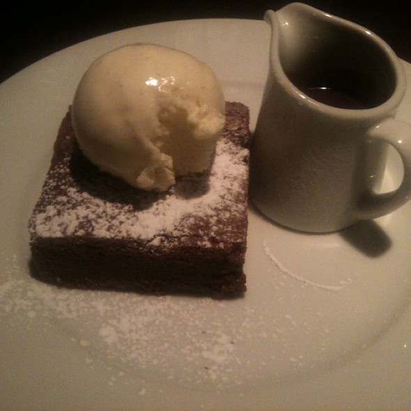 Chocolate Brownie With Ice Cream @ Hoxton Grill