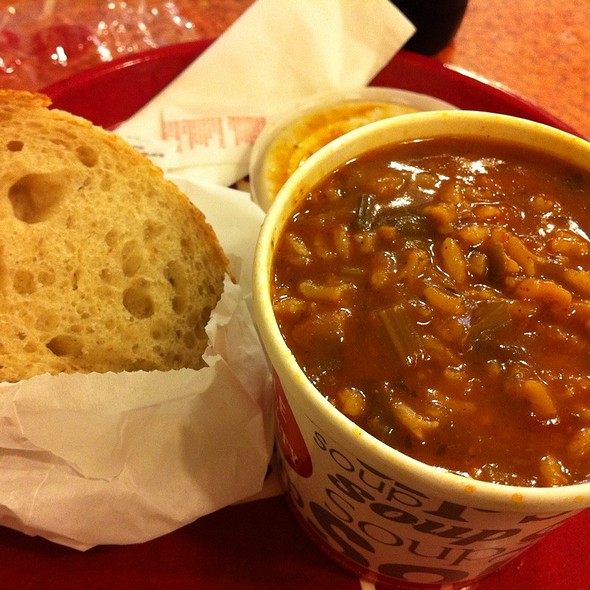 Vegetable Jambalaya Soup With Sourdough Bread @ Hale & Hearty Soups