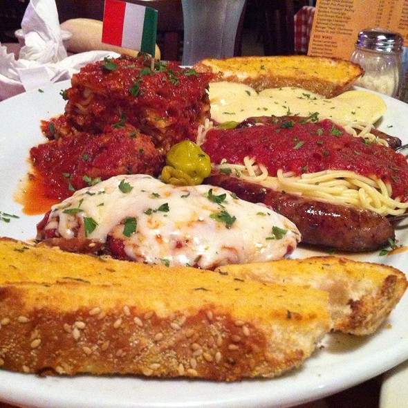 The Ultimate Italian Feast @ Spaghetti Warehouse