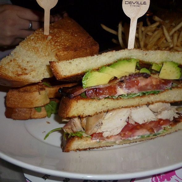 Dinerbar Club @ Deville Dinerbar