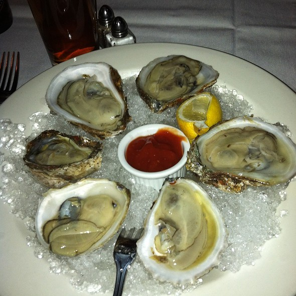 Bluepoint Oysters On The Half Shell @ Nina