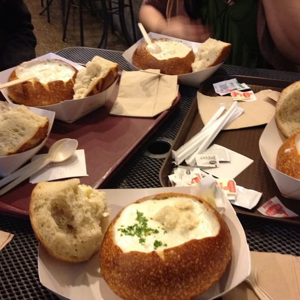 Clam Chowder Bread Bowl @ Pier 39: Boudin Sourdough Bakery & Cafe