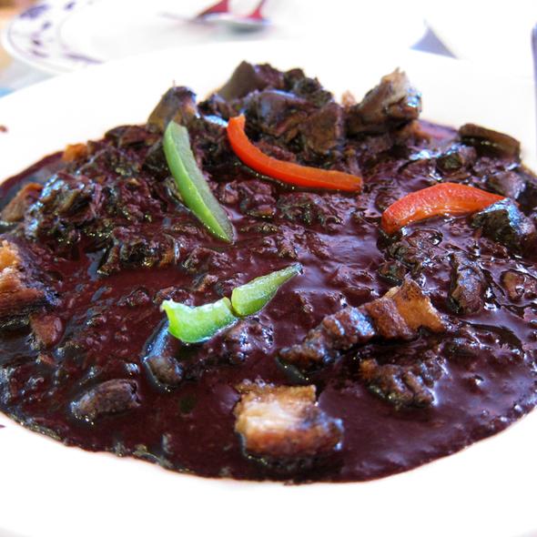 Crispy Dinuguan @ Goldilocks Bakeshop & Restaurant