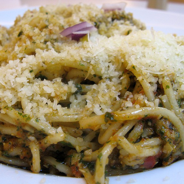 Spaghetti with Tomato-Garlic Pesto @ Paparazzi Restaurant