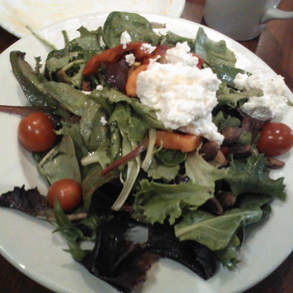 Mashu Mashu salad @ Mashu Mashu Mediterranean Grill
