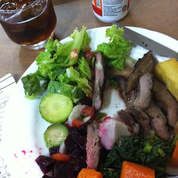Salada E Alcatra @ Golden Sucos