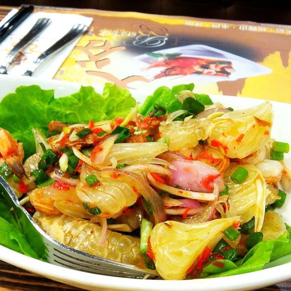 Pomelo Salad @ Bangkok Thai Restaurant