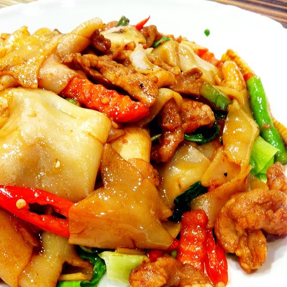 Stir Fried Noodles With Pork @ Bangkok Thai Restaurant