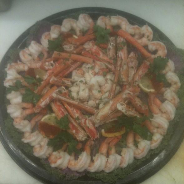 Deluxe Seafood Platter @ Annie's Vintage Gourmet Market