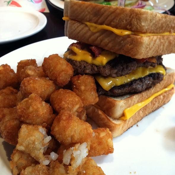 Oddfellow 39 S Burger Kitchen Menu Foodspotting