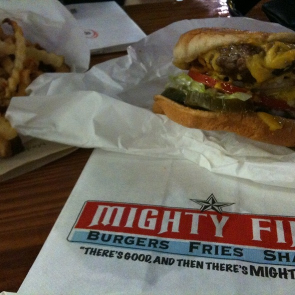 Cheeseburger @ Mighty Fine Burgers Fries