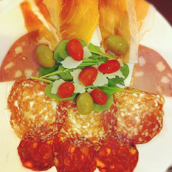#coldcut #salami #ham #cheese @ Scoozi Pizza @Siam Paragon