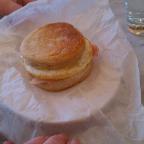 egg sandwich @ The Bakery at Cakes & Ale