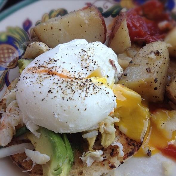 Poached Egg, Crab, Avocado @ Zazie