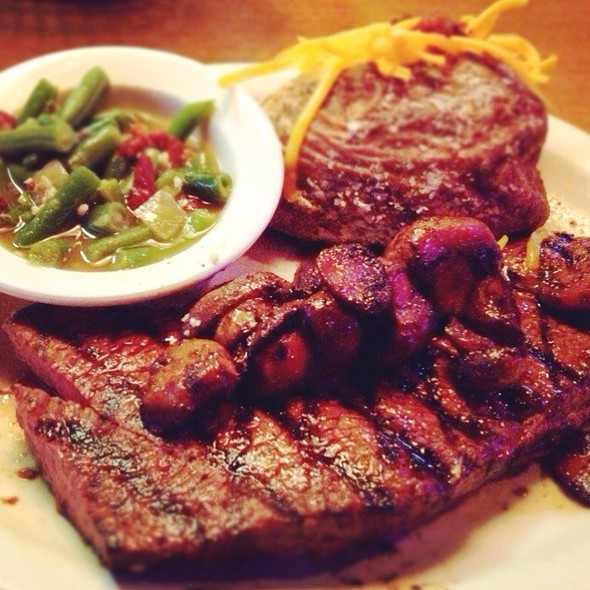 Sirloin Steak @ Texas Roadhouse