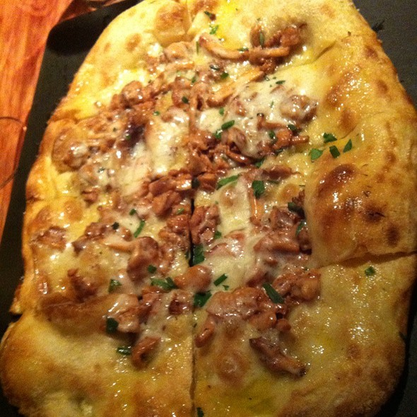 Roasted Hedgehog Mushroom And Truffle Cheese Pizza @ Serious Pie