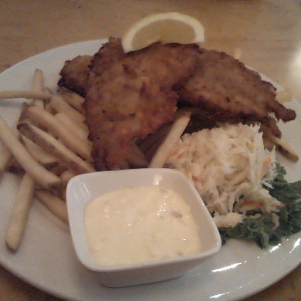Beer battered haddock Fish and chips @ Fran's Diner