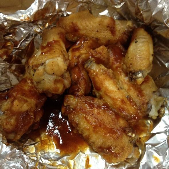 Chiken Wings In Bbq Sauce @ Domino's Pizza