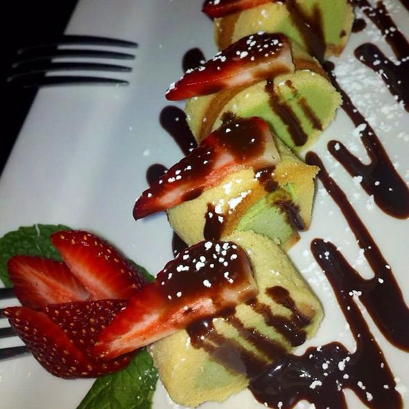 Ice Cream Roll @ Top Sushi