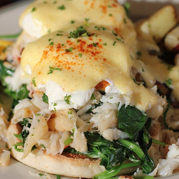 Dungeoness Crab Benedict @ Mama's On Washington Square
